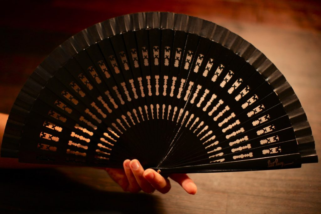 "Wooden Hand-Fan ""Coco"" Black"